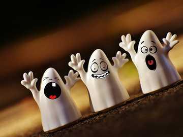 Fantasmas te assustam - Fantasmas te assustam no Halloween, eles não podem ver, ouvir ou não falar.