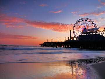 Feria en Playa - Es lindo un lugar como este verdad? el atardecer, el color del cielo... !Todo es hermoso¡