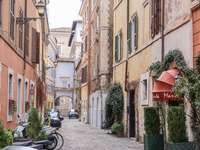Vicolo nel centro storico di Roma