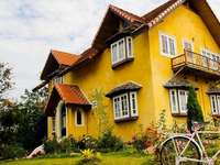 yellow house - m ........................