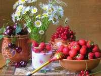 Fruta en tazas y flores - Fruta en tazas y flores