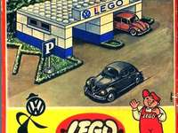 LEGO SET 1306-1 - VW Garage - This Is A Vintage Lego Set From 1957.