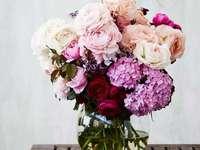 Μπουκέτο λουλούδια - Διακοσμήστε με ένα μπουκέτο λουλούδια