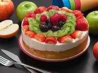 Obstkuchen - runder Kuchen mit verschiedenen Früchten. Los Angeles, Vereinigte Staaten