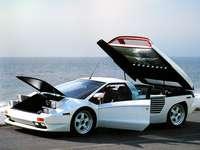 Cizeta GT - Toto je fotografie sportovního vozu.