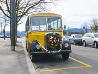 Decorated wedding bus - Decorated wedding bus