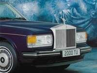 1989 Rolls-Royce Flying Spur - Esta es una foto de un sedán.