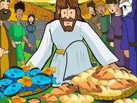 5 BROTE UND 2 FISCHE - Jesus ernährte mehr als 5.000 Menschen.