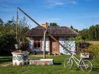 casă colorată - casă pictată manual