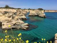 Peisaj de coastă Puglia Italia