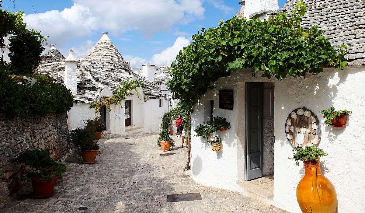 Alberobello Tradycyjne domy trulli w Apulii