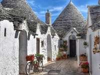 Traditional trulli houses in Puglia - Traditional trulli houses in Puglia