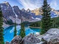 horská krajina - horská krajina, jezero a stromy