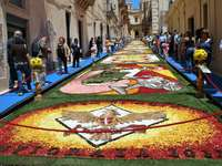 Цветни килими за фестивал в Сицилия - Цветни килими за фестивал в Сицилия