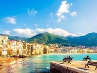 Cidade costeira de Cefalú na Sicília - Cidade costeira de Cefalú na Sicília