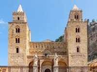 Nadmorskie miasto Cefalu na Sycylii