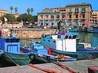 Сиракуза старо рибарско пристанище Сицилия - Сиракуза старо рибарско пристанище Сицилия