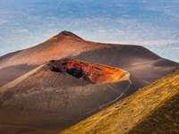 Kráter sopky Aetna na Sicílii - Kráter sopky Aetna na Sicílii