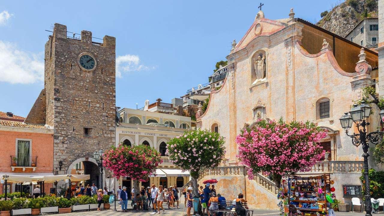 Orașul Taormina din Sicilia