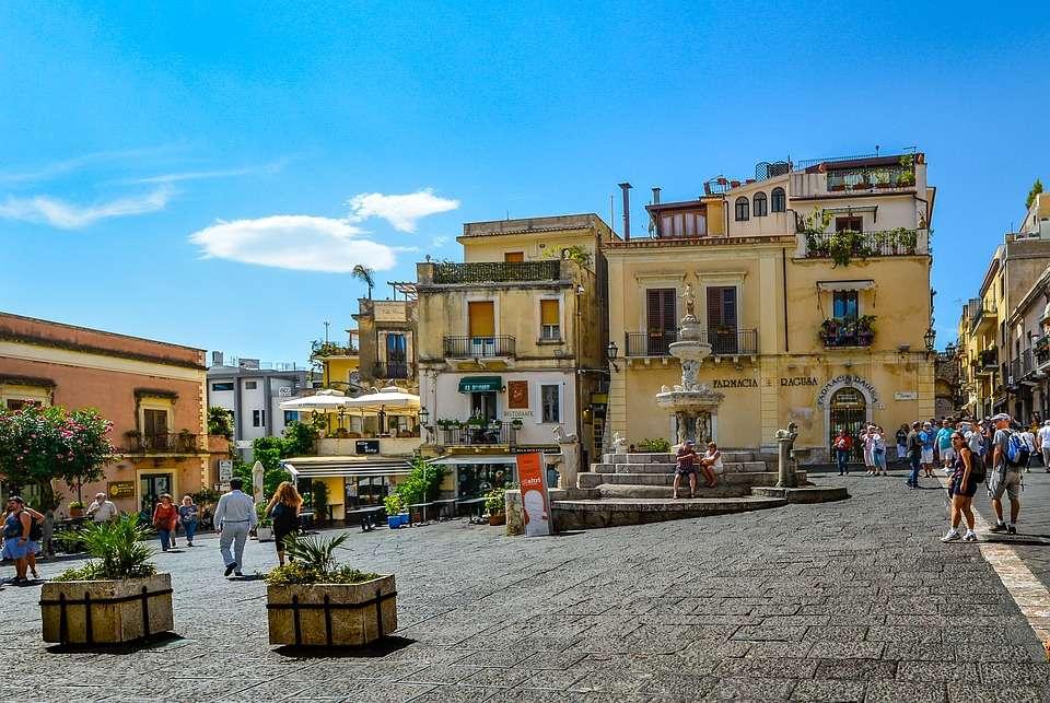 Cidade de Taormina na Sicília (13×9)