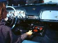 Chrysler - Esta es una foto de un reproductor de alta fidelidad que se ofrece en modelos de automóvil de 1956.