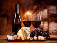 Wine and sausages - Drink wine, eat cheese and cold cuts