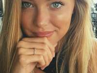 blonde met mooie ogen