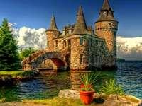 Burg am Wasser - m .....................