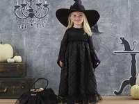 flicka för halloween - m ........................