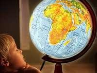 zeměpisný glóbus - zeměpisné šířky a délky
