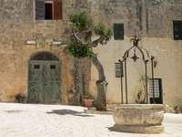 Dům Valetta s fontánou na Maltě - Dům Valetta s fontánou na Maltě