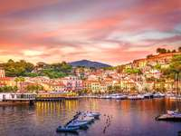 Porto Azzurro på Elba Island Italien - Porto Azzurro på Elba Island Italien