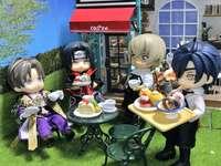 Itachi och hans vänner på ett kafé - Itachi och hans vänner på ett kafé