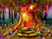 Приказен свят с къща на дърво