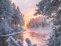 Zimní krajina na řece