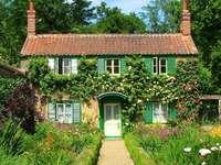 Häuschen im Garten