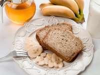 Pâine și banane
