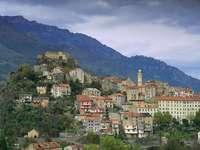 Město Corte na Korsice