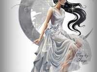 Tündér a Holdon - Gyönyörű fehér tündér, fehér ruhában, ül a Holdon, szárnyai átlátszóak, haja fekete