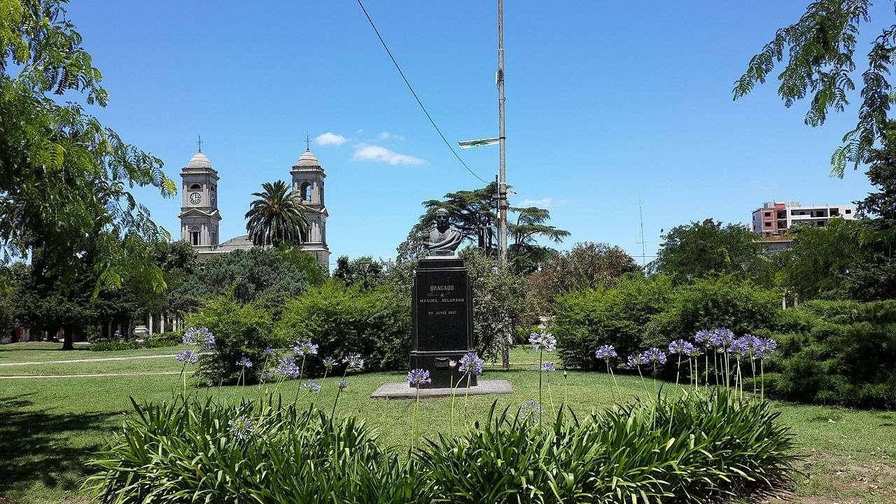 Bragado - Bragado - město v Argentině, které se nachází v severní části provincie Buenos Aires, 210 km od hlavního města Buenos Aires (5×3)