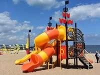 dětské hřiště na pláži v Gdaňsku