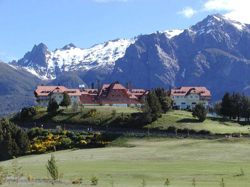 Bariloche - San Carlos de Bariloche (Bariloche) - a city in Argentina in the Río Negro province, at the foot of the Andes, surrounded by lakes (Nahuel Huapi, Gutiérrez, Moreno and Mascardi) and mountains (Trona (4×3)
