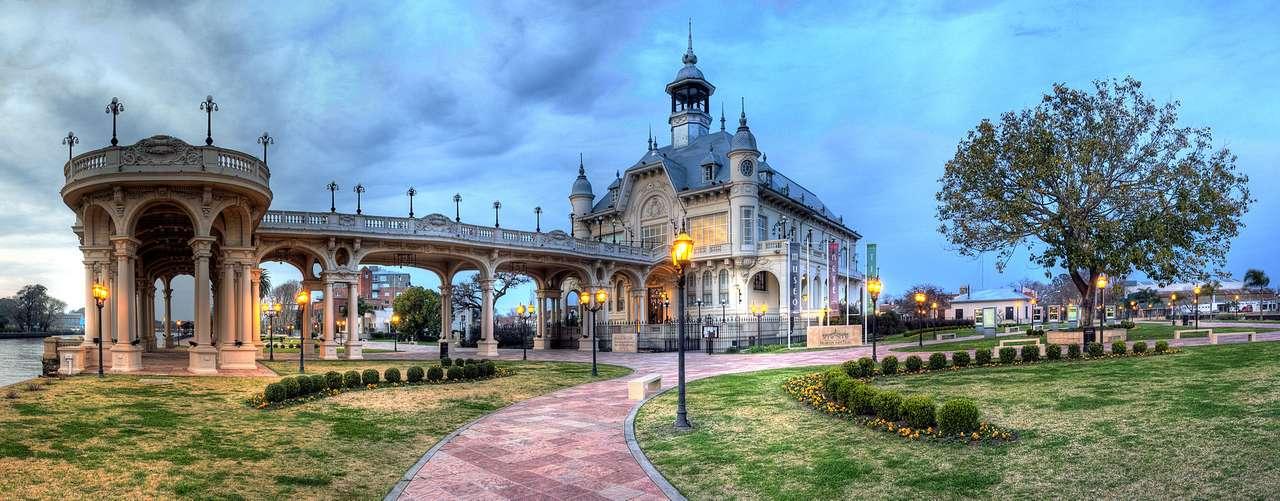 Tigre - Tigre - eine Stadt in Argentinien, dem Stadtkomplex von Buenos Aires am Fluss Luján. Die Einwohnerzahl betrug 2003 ca. 306 Tausend (7×3)