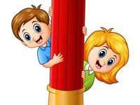 Crianças com lápis