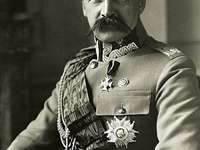 Jozef Pilsudski - Tente compor Józef Piłsudski.