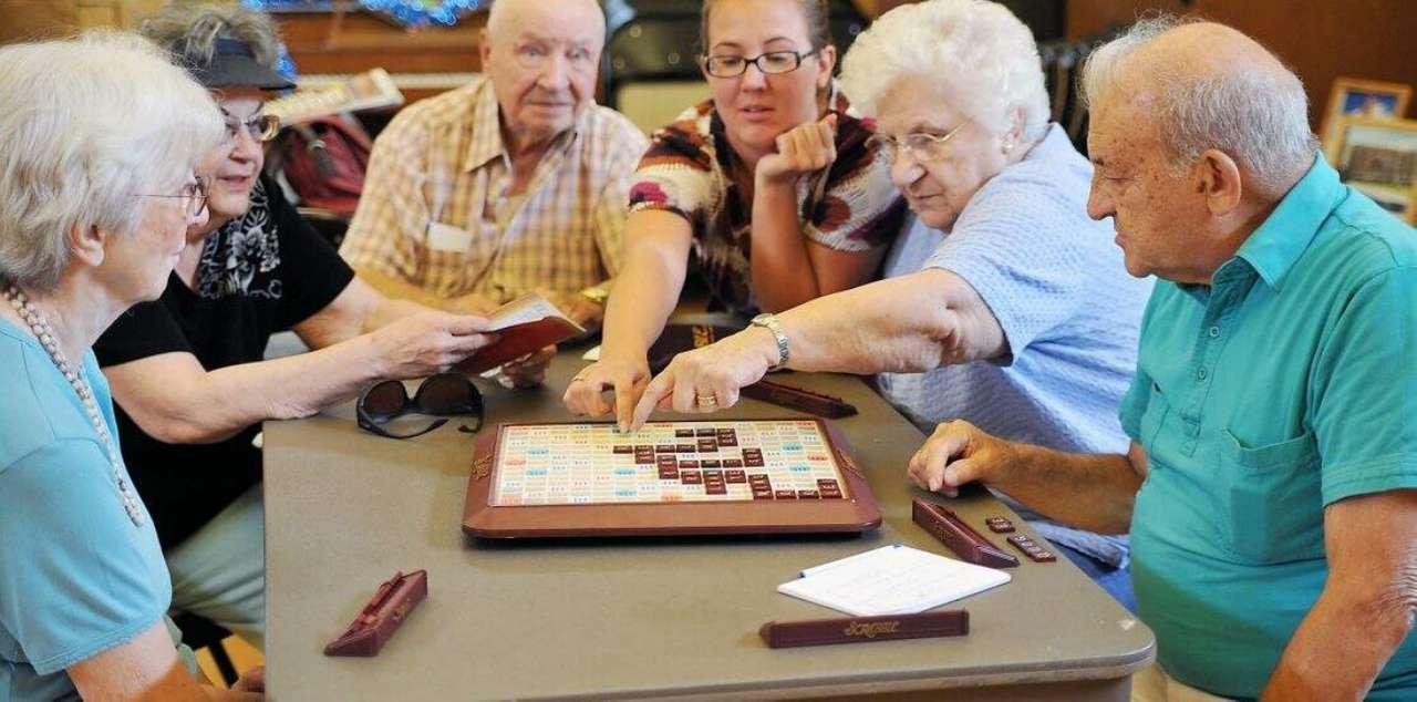 Idősek tevékenységei - Tevékenységek időseknek manapság (6×3)
