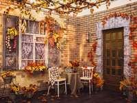 Вила през есента прекрасна декорация - Вила през есента прекрасна декорация