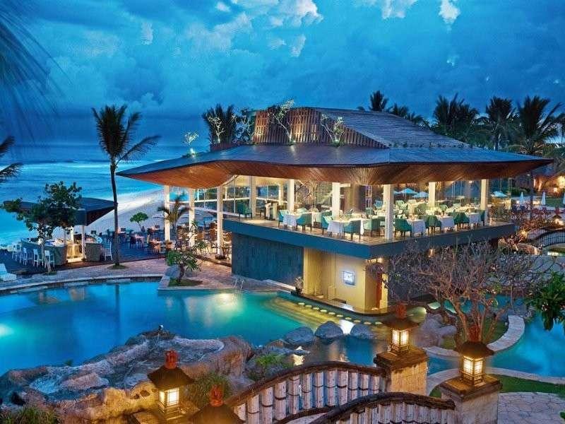 ресторант през нощта на остров Бали - м (12×9)
