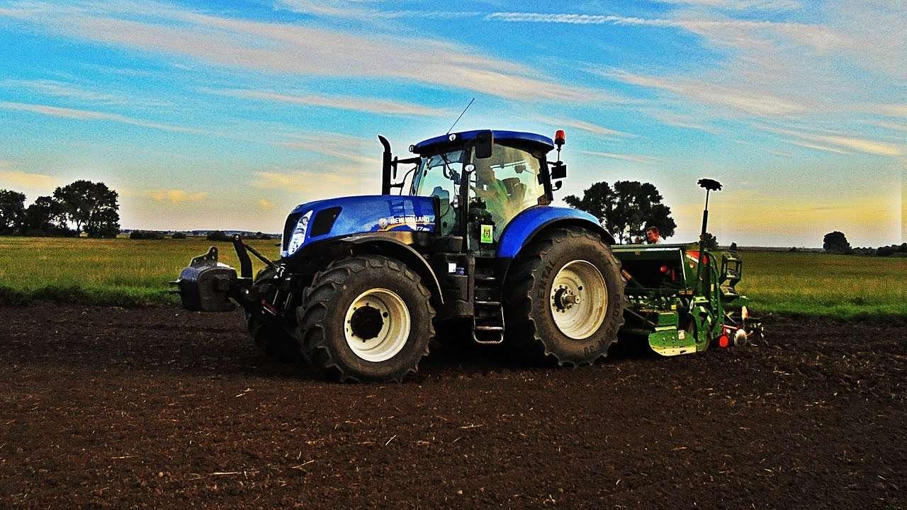 sembrando trigo - New Holland y Amazone sembrando trigo (12×7)