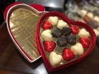 σοκολατάκια - Κουτί σοκολατάκια σε σχήμα καρδιάς
